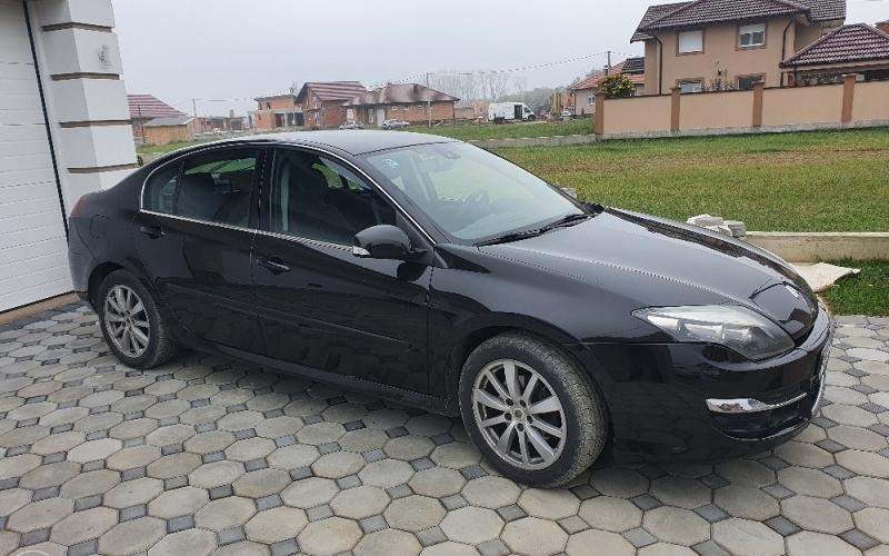 HITNO! Renault Laguna
