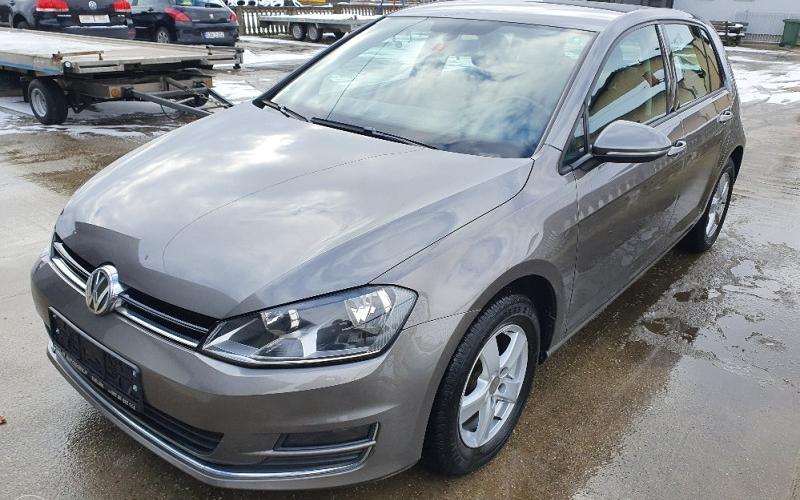 Volkswagen Golf 1.6 TDI HIGHLINE