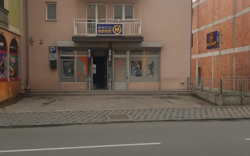 Izdajem poslovni prosto u centru Bijeljine