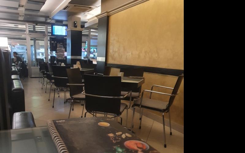 Potreban konobar/konobarica  za rad u Cafe La Bella Maria