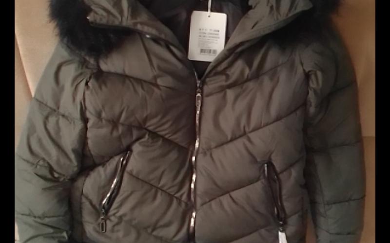 Prodajem zensku zimsku jaknu