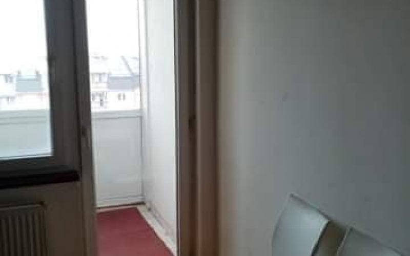 prodajem jednoiposoban stan 34m2 u Bijeljini