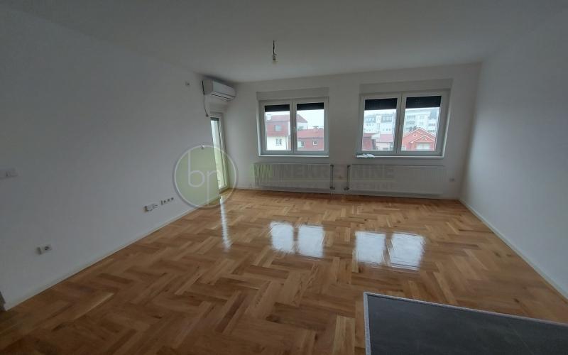 Na prodaju trosoban stan od 50m2 u Bijeljini