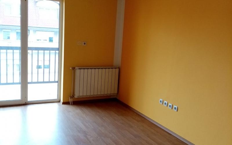 prodajem dvosoban stan 72m2 u Bijeljini