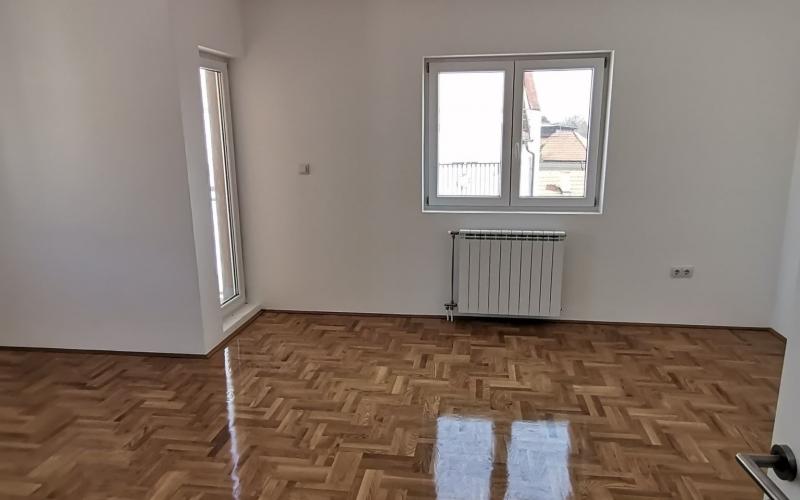 Prodajem nov trosoban stan 58m2 u Bijeljini