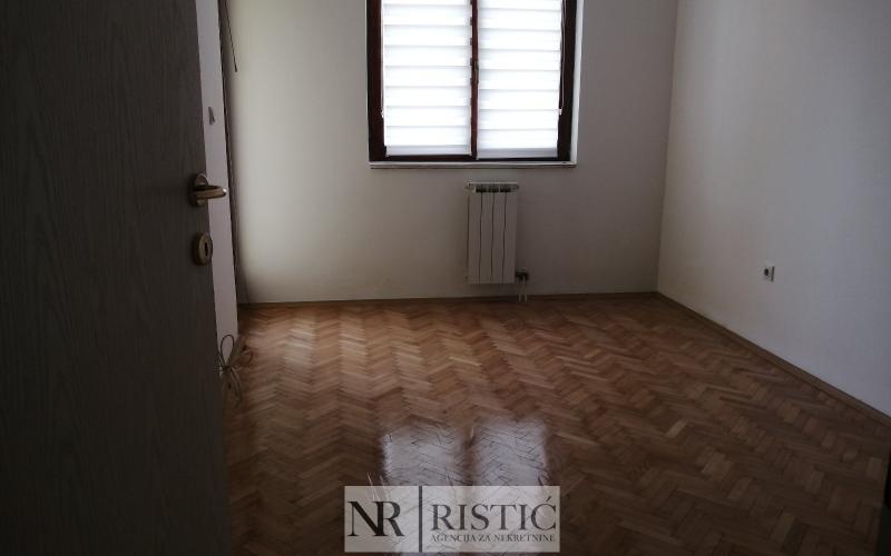 Stan za izdavanje od 30 m2 u Bijeljini