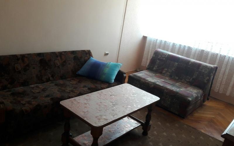 Izdajem jednosoban stan 43m2 u centru Bijeljine