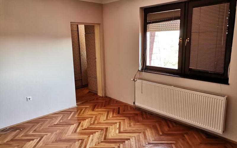 Prodajem trosoban stan u Bijeljini