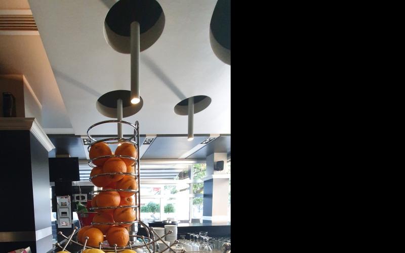Potreban konobar/konobarica i kuvar /kuvarica za rad u Cafe La Bella Maria