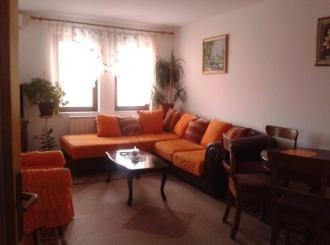 povoljno prodajem trosoban stan u Bijeljini 72m2