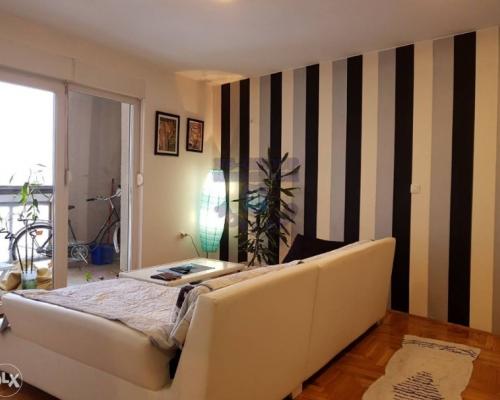 Prodajem dvosoban stan u Novom Sadu 52m2
