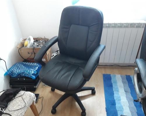 Kancelarisjka stolica (stolica za radni sto) 70km 0...
