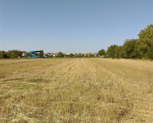 Prodajem zemljiste u blizini stadiona Radnik