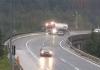 VIDEO Stravičan snimak nesreće u Sloveniji: Kamion pao s nadvožnjaka, vozač poginuo