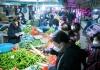 Ljudi se otimaju za hranu u Vuhanu, počela dezinfekcija ulica