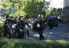 Treći dan protesta: Sve više policije oko zgrade Skupštine Srbije, pristižu i građani