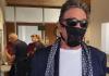 Milioner napravio haos na aerodromu jer je umesto maske na licu imao veš svoje supruge