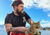 Želio sam proputovati svijet, ali je napuštena mačka to promijenila
