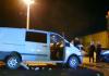 U udesu u Pantelinskoj ulici teško povrijeđen vozač kombija