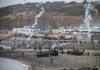Plaža se napunila migrantima, a ubrzo i oklopnim vozilima