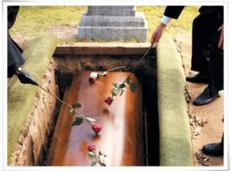 Umrla od infarkta na sopstvenoj sahrani