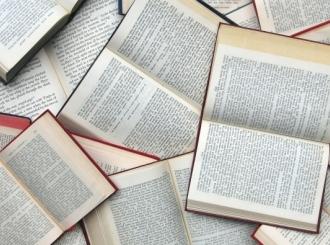 Biblioteci poklonio 300 knjiga
