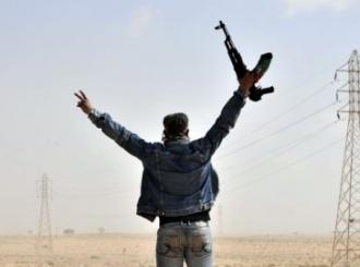 Libijski pobunjenici preuzeli kontrolu nad Adždabijom