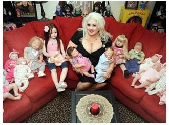 Želi da je sahrane sa njenim lutkama