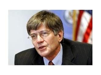 Hillary Clinton potvrdila da je Steinberg napustio State department