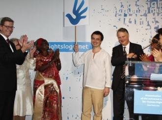 Robert de Niro predstavio pobednički simbol ljudskih prava