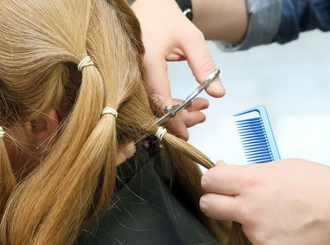 Frizerski saloni u Moskvi nude frizure za tri dolara