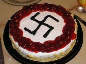 Kukasti krst na torti za 90 evra