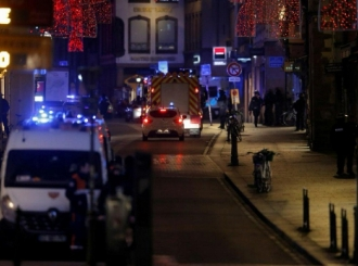 Francuska: Ubijene najmanje četiri osobe, 11 ranjeno, policija opkolila napadača