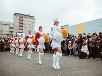 FOTO Gradski trg u znaku hercegnovske mimoze