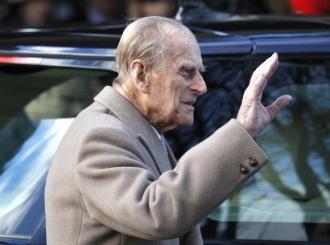 Britanci mole princa Filipa (97) da vrati vozačku, on kupio novi džip