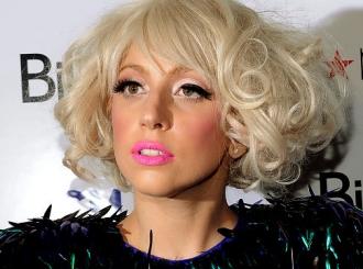Lejdi Gaga: Gubim kosu!