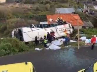 Prevrnuo se autobus sa njemačkim turistima, najmanje 28 mrtvih