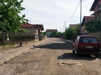 Bijeljina: Presijecaju vrpcu, a još nisu završili obećano asfaltiranje
