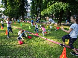 Igra, skakutanje i nestašluci – osnova zdravog detinjstva