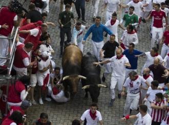 Pamplona: Nekoliko osoba povrijeđeno u trci s bikovima, jedan muškarac proboden u ruku