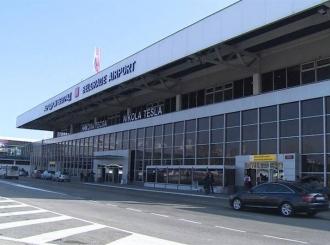 Na beogradski aerodrom upućena kontradiverziona jedinica, bomba u avionu?