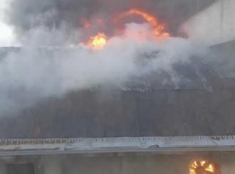 """Gori skladište """"Slobodne Dalmacije"""": Novinari evakuisani iz zgrade"""