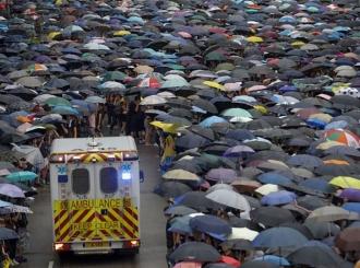 Desetine hiljada demonstranata protestuje u Hongkongu