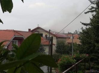 Zagreb zahvatilo nevrijeme, grom zapalio kuću