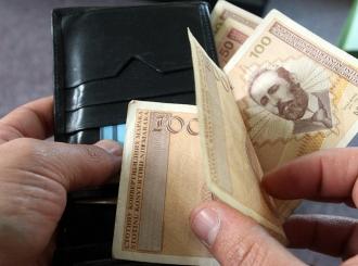 Potrošači u zamci: Da bi dobili 1.000 evra, moraju da potroše 1.250