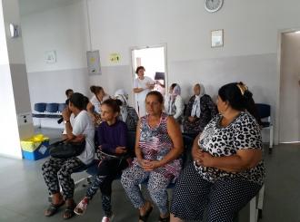 """""""Odgovorne prema svom zdravlju"""": Ljekarski pregledi za žene i djecu iz romskih porodica"""