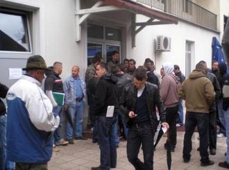 Američka kompanija traži radnike širom BiH i regiona: Gužve u redu za posao u Kuvajtu!