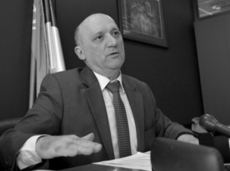 Prva smrt u Vladi Srbije zbog koronavirusa: Preminuo državni sekretar
