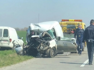 Težak udes kod Bijeljine, vatrogasci izvlačili vozača iz smrskanog kedija