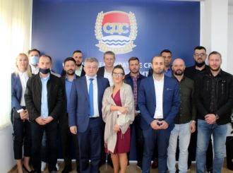 SDS Semberija: Pristupnice za 12 novih članova